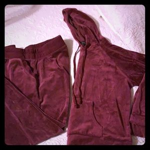 Ambiance burgundy sweat ser. Size L